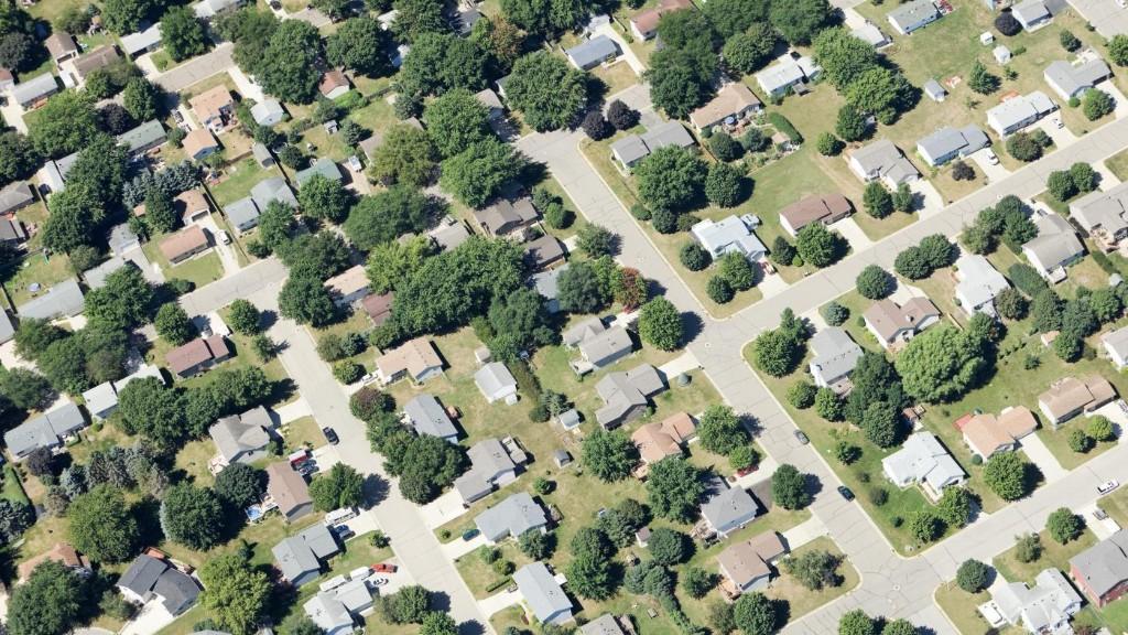Pentagon testing mass-surveillance balloons over Midwest
