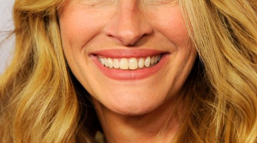 Here are all the different types of smiles, according to science