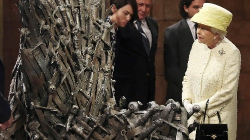 """What """"Game of Thrones"""" gets wrong about seating and power, according to a chair design critic"""