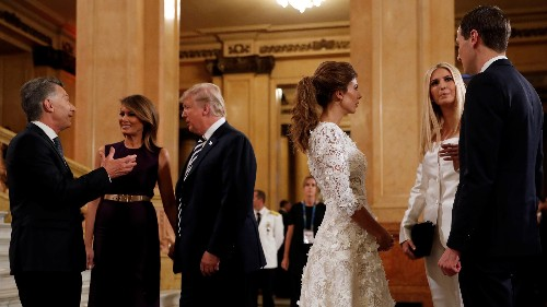 Yes, it's legal for Trump to hire his family as White House staff
