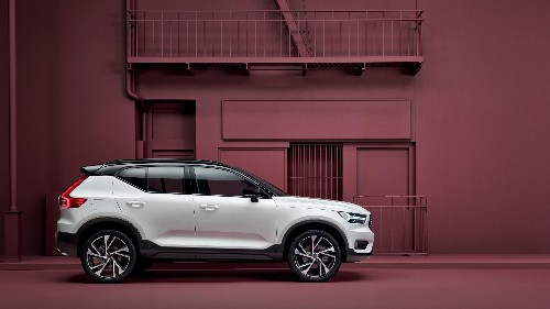 Volvo launches the new XC40 SUV, and Care by Volvo, a subscription service for buying cars