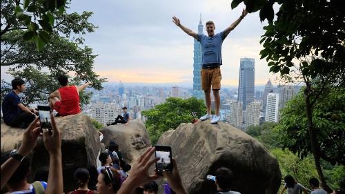 Taiwan tourism hits record high despite China boycott