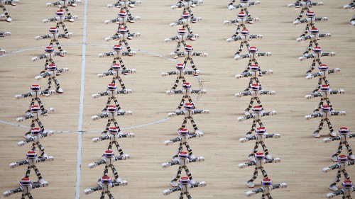 Watch a horde of robots dance their way to a Guinness world record