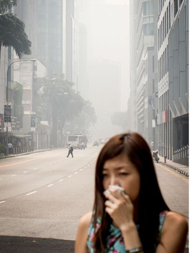 This is what Singapore's record-high pollution looked like today