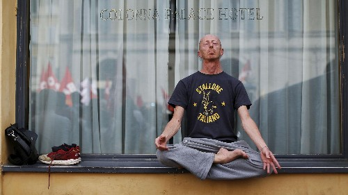 Study: Meditation and yoga dramatically cut our need for health care services