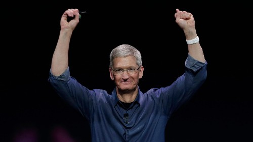 How Apple CEO Tim Cook spends the first two hours of his workday