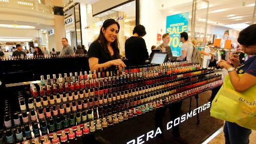 The one retailer that Amazon can't seem to destroy is in cosmetics