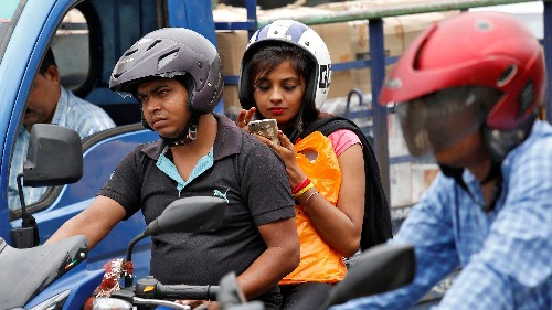 India wants panic buttons on mobile phones to keep women safe—will it work?