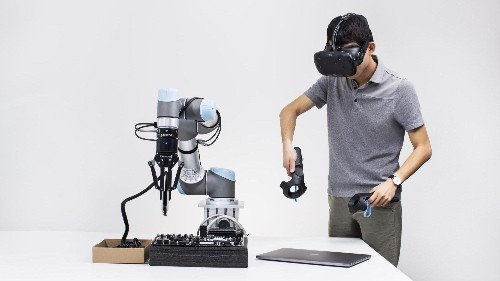 Cheap VR headsets could drive the next industrial robotic revolution