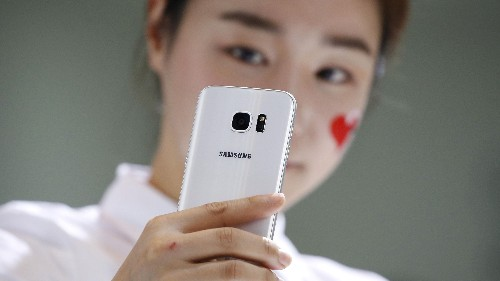 New research supports the growing concern that smartphones are destroying our romantic relationships