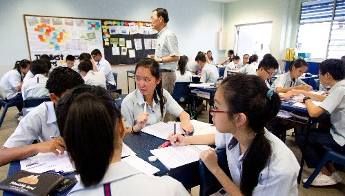 Why Singapore is so good at English