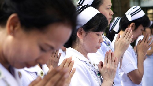 Should doctors be allowed to bring their religion to work?