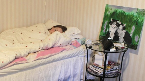Researchers confirm that screens are seriously messing with your kids' sleep