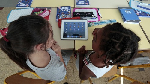 A teacher gave her 8-year-old students iPads and discovered one huge drawback