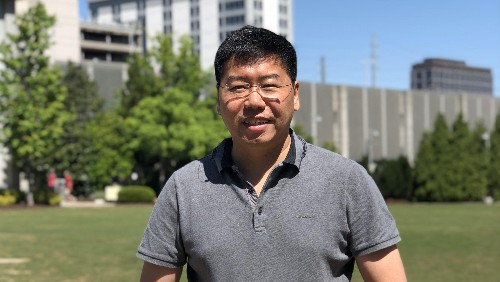 Government regulation is the key to a thriving self-driving vehicle industry in China, says WeRide's COO.