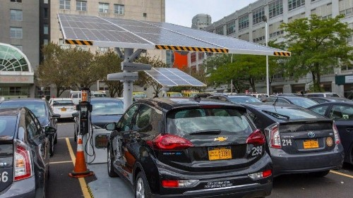 New York City says electric cars cheapest option for its fleet