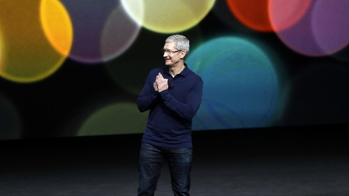 Apple CEO Tim Cook says you won't have to give up your privacy to have a great AI assistant