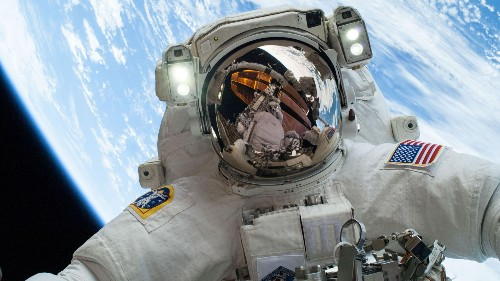How a bunch of government space geeks at NASA won the internet