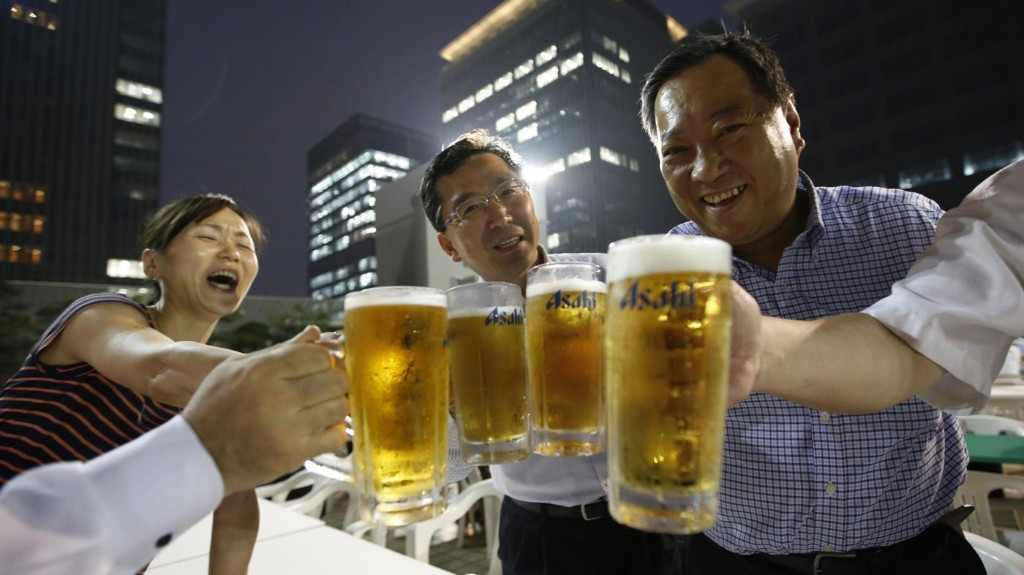 """Is this the last call for Japan's afterwork """"nominication"""" drinking culture?"""