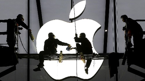 A prominent developer's critique of Apple is catalyzing anxieties about its future