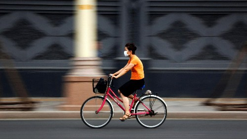 How long can you cycle before the harm from pollution exceeds the benefits of exercise?