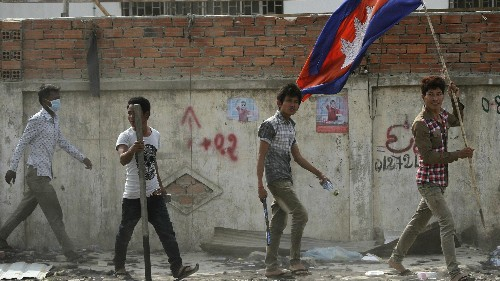 Cambodian police shoot garment workers demanding $7 a day to make your T-shirt