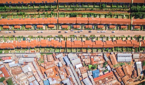 Drone photography captures the dramatic inequality of Nairobi