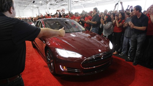 Elon Musk ditches most of the funny math in new Tesla Model S financing deal