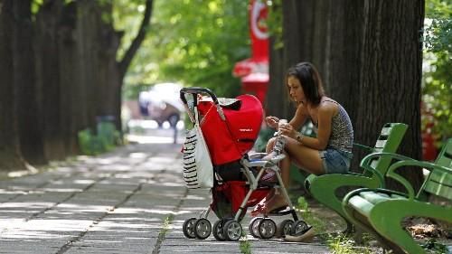 Having kids lowers women's self-esteem for at least three years