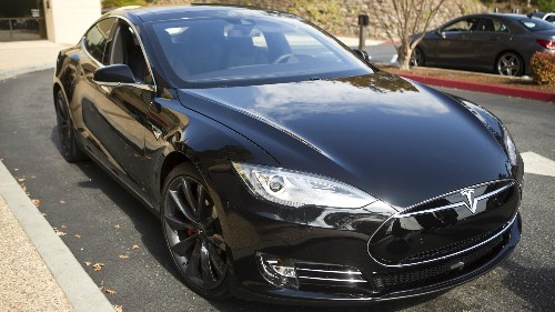 Tesla's cars can now park themselves