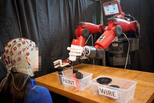 MIT built a robot that can read your thoughts and know when it's made a mistake