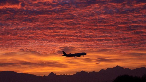 Climate change is making your flights slightly longer, and creating more climate change