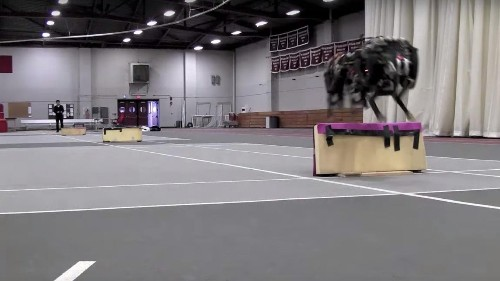 This insane cheetah robot from MIT hurdles obstacles without breaking a sweat