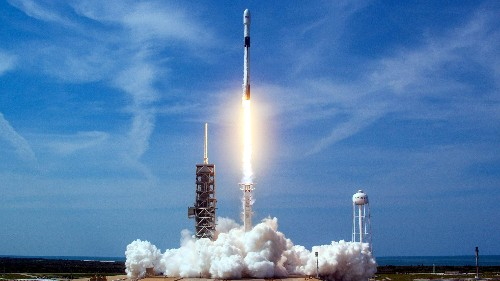 SpaceX launches first Starlink internet satellites