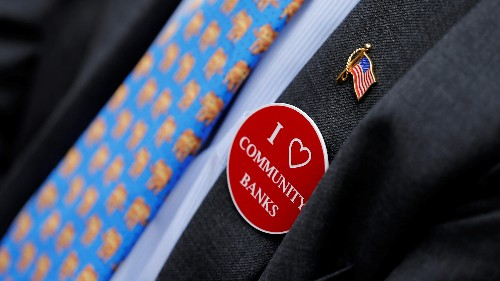 As branches close, US community banks are sticking around