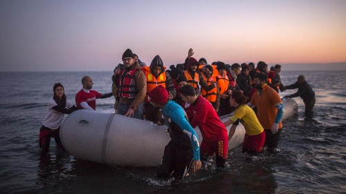 A group of academics wants to nominate Greeks who aided refugees for the Nobel Peace Prize