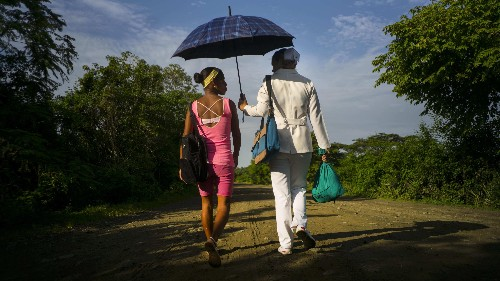 Americans are not using umbrellas as they were intended