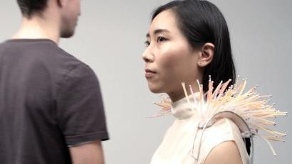 A new wearable device called Ripple lets you know when someone's attracted to you.