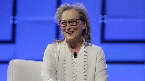 How to give a good compliment, according to Meryl Streep