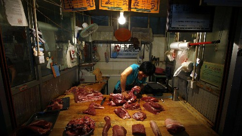 China arrests smugglers trying to sell frozen meat from the 1970s