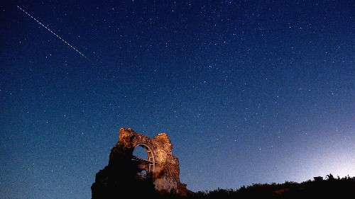 This weekend is the best time to watch the year's most spectacular meteor shower