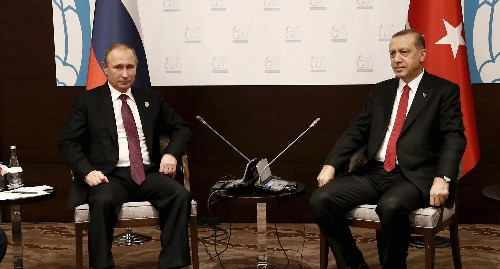 Putin accuses Turkey of funding terror, but his own policies help ISIL, too