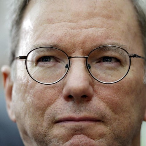 Former Google CEO Eric Schmidt on Bill Campbell, Steve Jobs, and why every company needs a coach