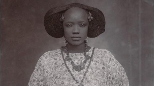 Witness the pride and elegance of West African photo portraits from the past 100 years