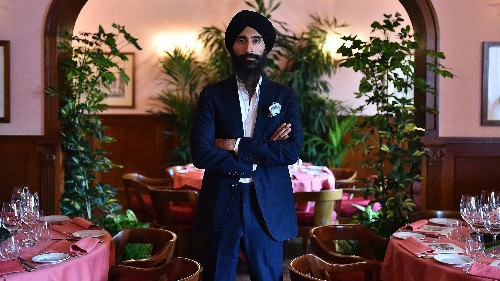 The world's best-dressed Sikh was kicked off a flight for his turban