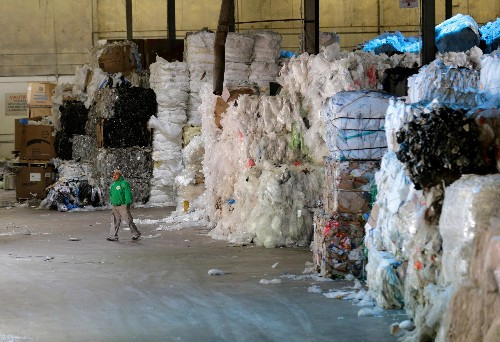 California aims to ban single-use plastic by 2030