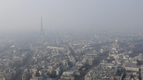 Paris is taking rare steps to cut car traffic as pollution persists