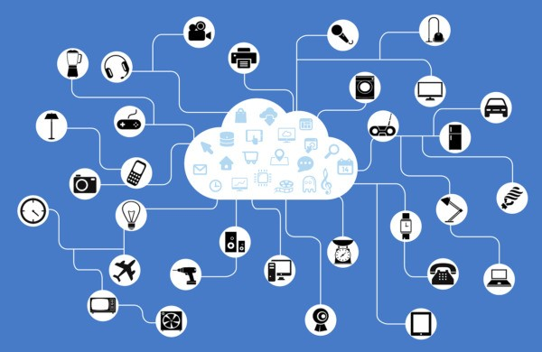 How does fog computing differ from edge computing?