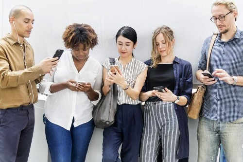 If You Aren't Using SMS in Your Business, Now's The Time to Start