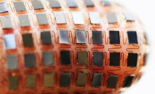 Researchers Develop Solar Powered Flexible Battery